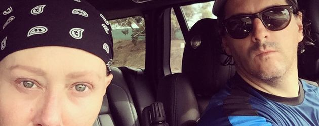 Shannen Doherty mit Ehemann Kurt Iswarienko im Auto