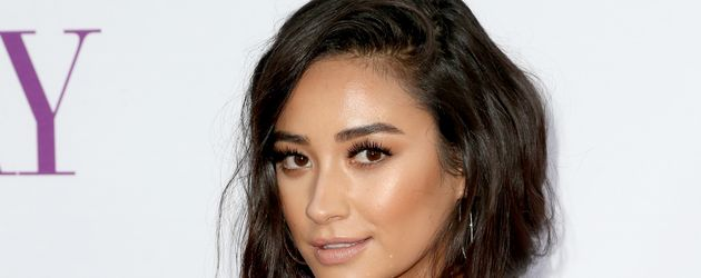 "Shay Mitchell bei der ""Mother's Day""-Premiere 2016 in Hollywood"
