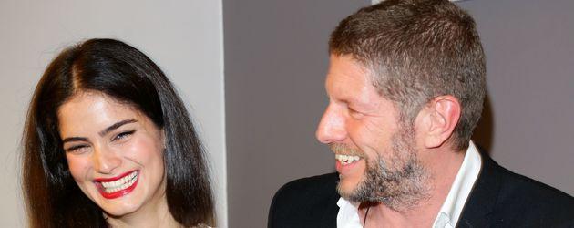 """Shermine Sharivar mit Markus Klosseck auf der """"eBay Pop-up-Store""""-Eröffnung 2012 in Berlin"""