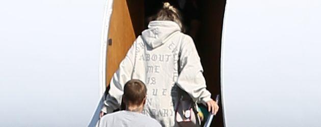 Sofia Richie und Justin Bieber am Flughafen in L.A.