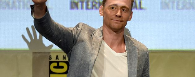 Tom Hiddleston bei einer Pressekonferenz