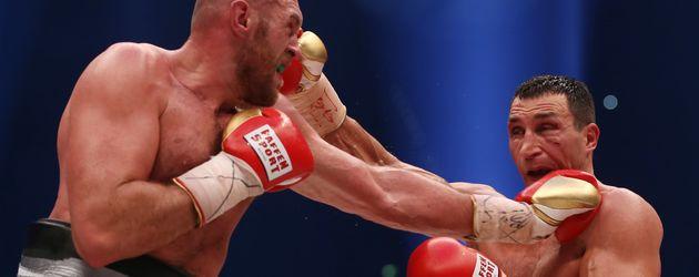 Tyson Fury und Wladimir Klitschko beim Weltmeisterschaftsboxkampf am 28.11.2015