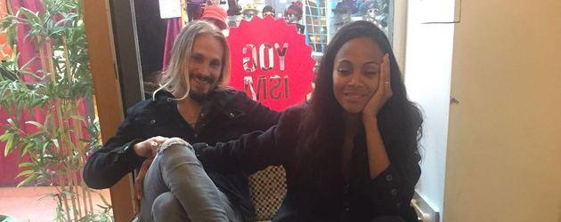 Zoe Saldanas mit ihrem Mann Marco Perego und den gemeinsamen Zwillinge Bowie Ezio und Cy Aridio
